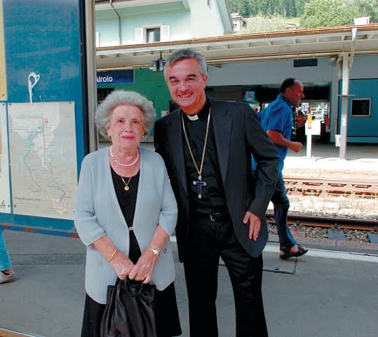 Airolo Pellegrinaggio a Lourdes Vescovo Valerio Lazzeri e Corecco Stefania