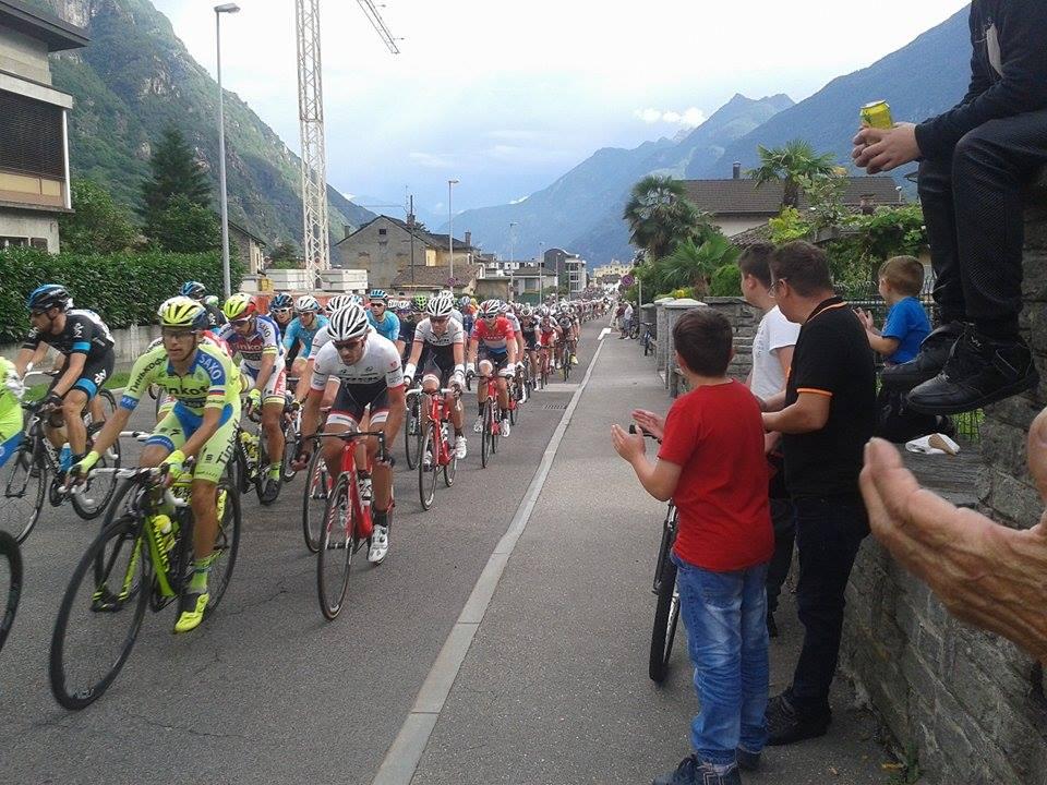 15062015_Tour de Suisse Ambri passaggio Biasca2