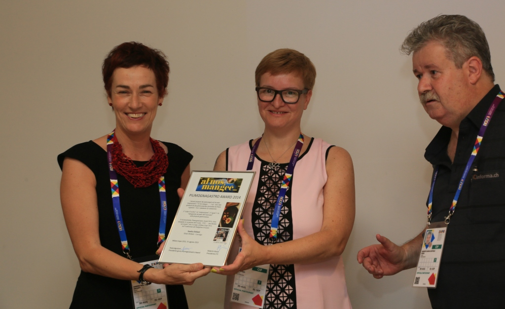 hotel defnati riceve riconoscimento piumogna award 2014 a milano