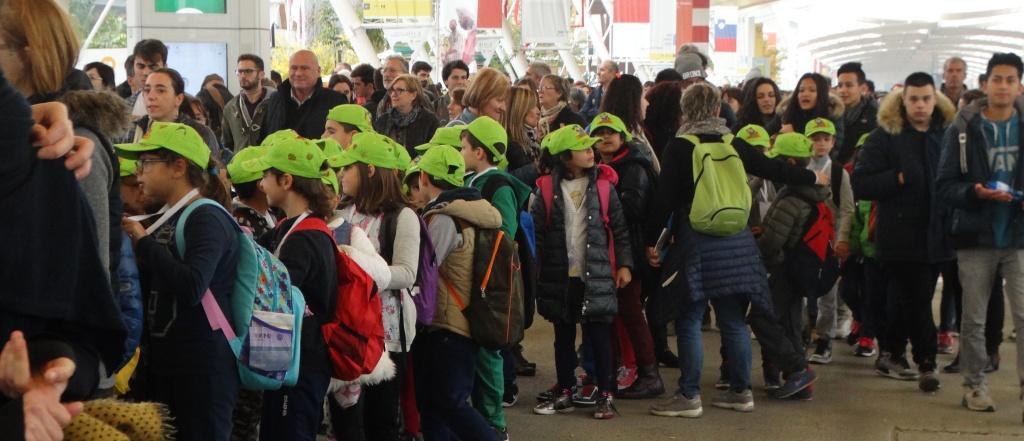 27102015_Expo2015 con papa foto folla scolari