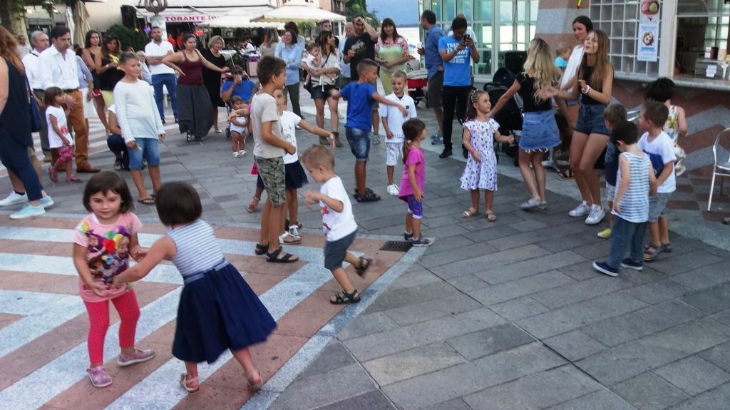 14072017_campione italia_mercato ballo dei bambini