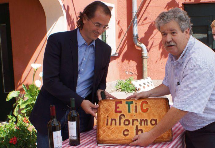 foto 3 11052014_presentazione del nuovo nome eticinforma nella enuta Montalbano