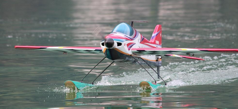 aereomodellismo foto su acqua